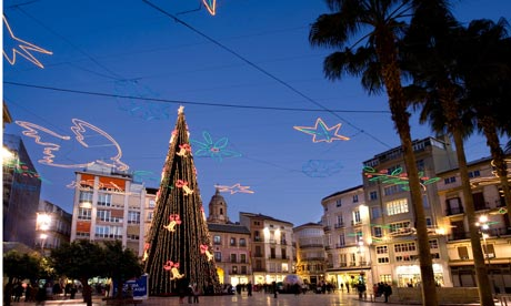 Winter in Malaga: Lighting and Christmas tree in December