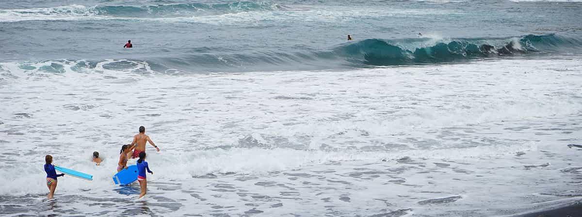 Winter bath into the sea