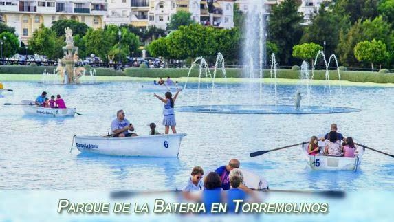 Boats on the artificial lake in Parque de la Bateria