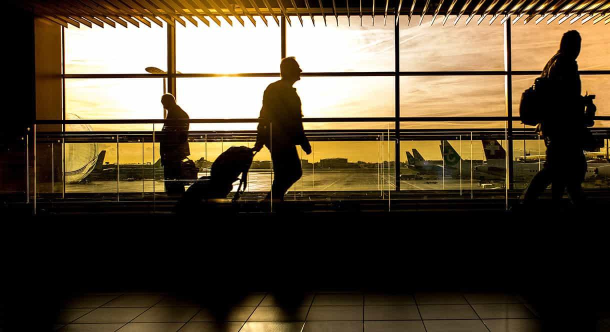 transito y controles de seguridad en aeropuerto