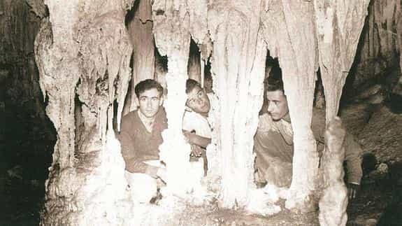 Foto zur Entdeckung der Nerja-Höhlen
