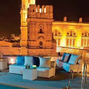 Terraza Molina Lario Piscina Lounge