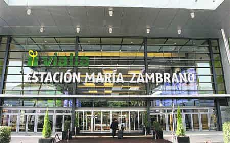 Estación de tren Maria Zambramo