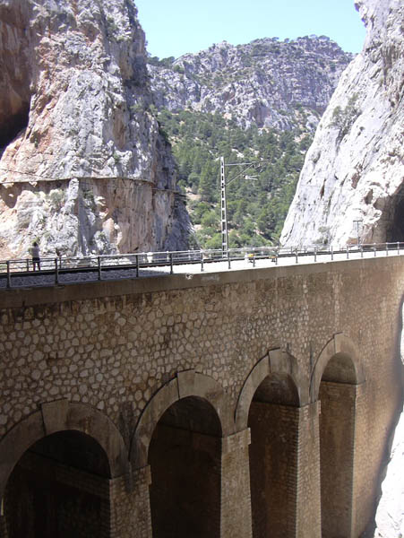 El Chorro Bridge Picture closeup - Photo 15