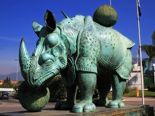 Puerto Banus rhino sculpture