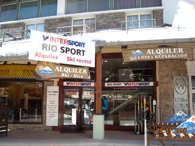Shops exterior picture