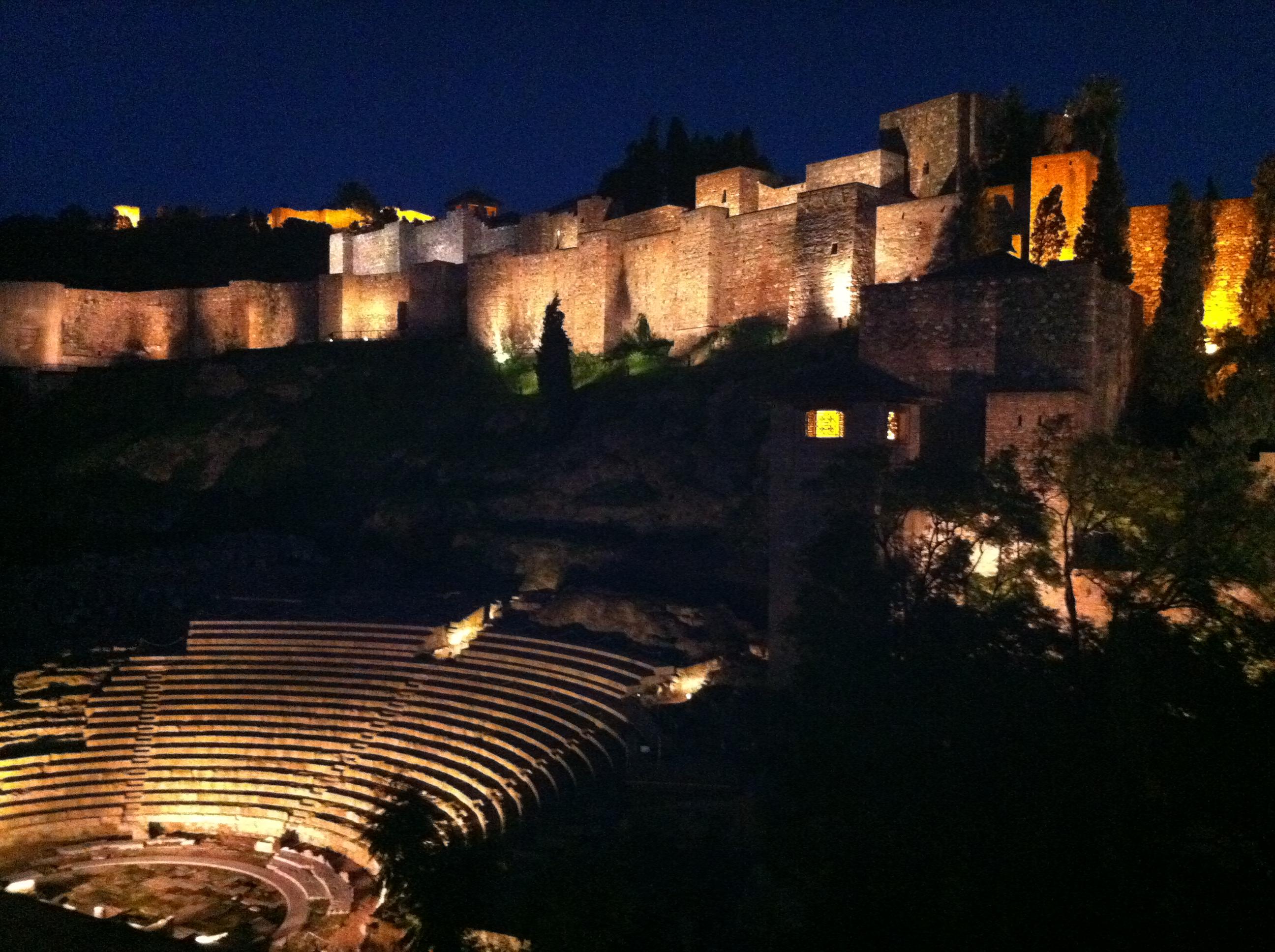 teatro romano de noche