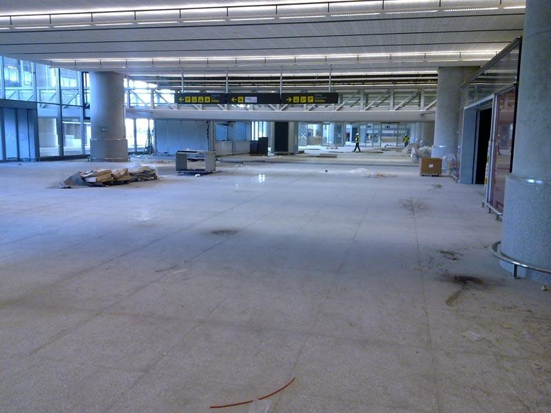 Malaga airport T3 hall