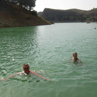 People swimming in El Chorro - Photo 32