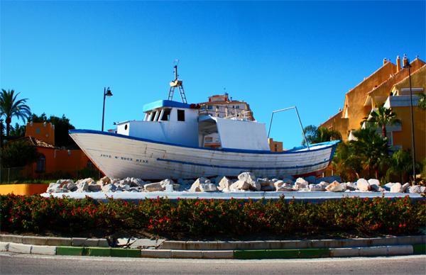 Estepona boat monument