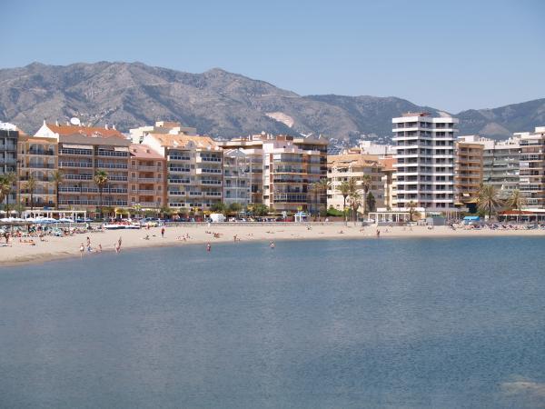 Fuengirola beach overview