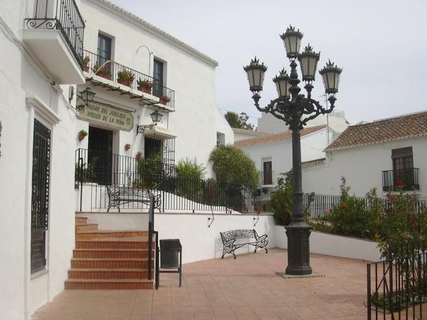 Mijas overview, typical white walls 18