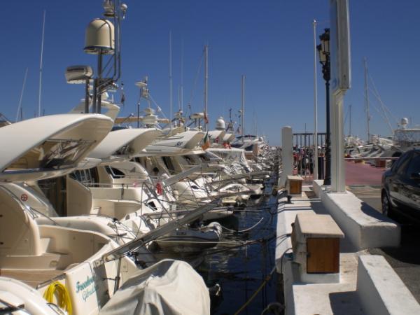 Puerto Banus boats picture
