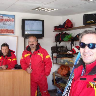 Sierra Nevada ski teachers picture