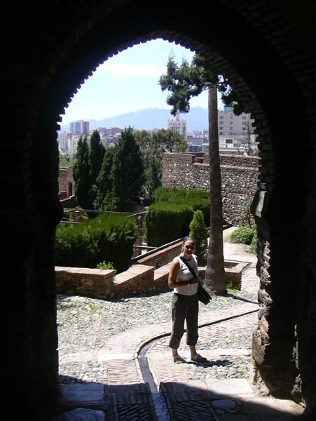 Tourists in Alcazaba 5