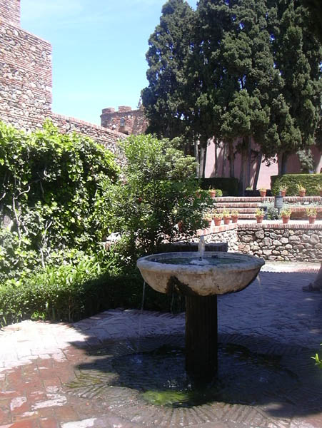 Alcazaba fountain 12