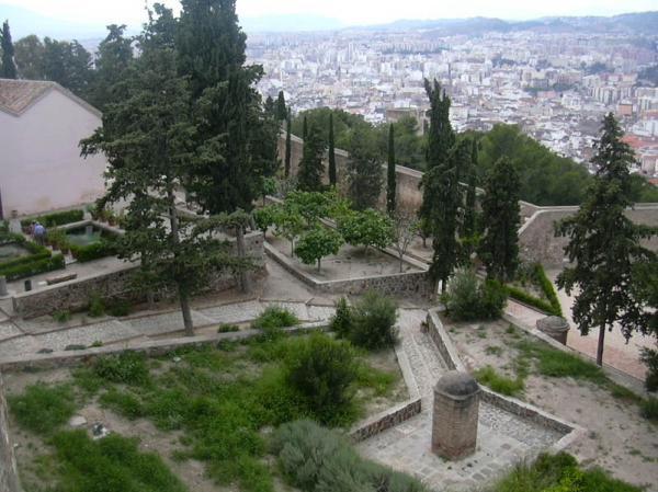 Alcazaba gardens 23