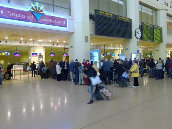Malaga airport T2 queues