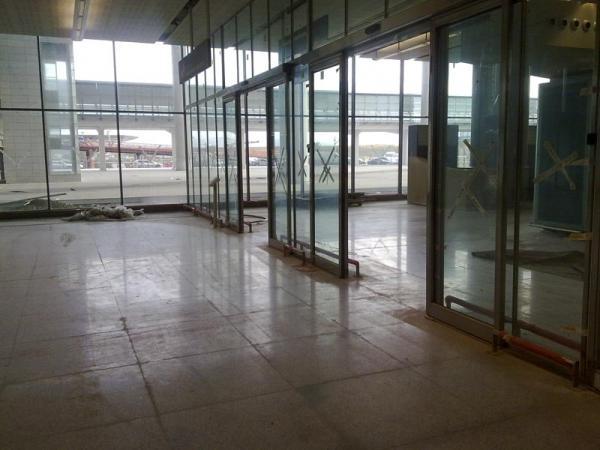 Malaga airport T3 doors