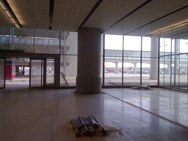 Malaga airport T3 interior 2