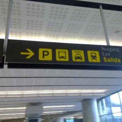 Malaga airport transport signal