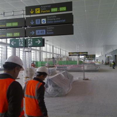 Malaga airport T3 workers